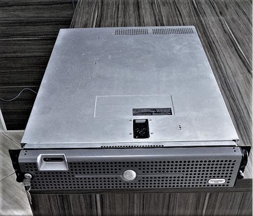 Servidor Dell Power Edge 2950 Intel Xeon 2X2.33Qc, Hd1.65Tb, M4Gb E Dvd  (1)
