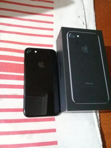 Vendo Iphone 7 - Black - 128Gb (1)