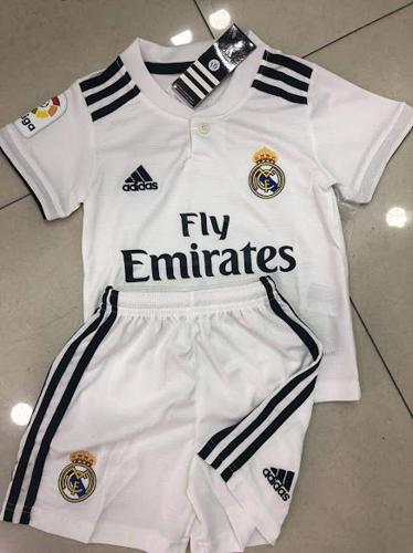 Kit Infantil Real Madrid Branco 06 Ao 12 Importado (1)