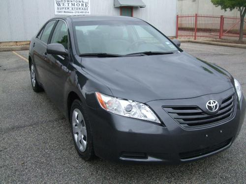 2010 Toyota Camry Le Still In Excellent Condition  (1)